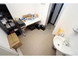 Administrativní objekt - ubytování pro zaměstnance 240 m2, parkování na pozemku, (616803159/30)