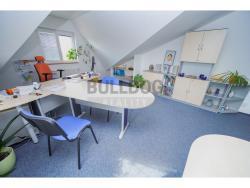 Administrativní objekt - ubytování pro zaměstnance 240 m2, parkování na pozemku, (616803168/30)