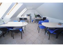 Administrativní objekt - ubytování pro zaměstnance 240 m2, parkování na pozemku, (61680317541/30)